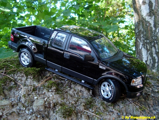 Posted Image & Ford F-150 FX4 2004 - DX Trucks | SUV | Haulers - DiecastXchange ... markmcfarlin.com